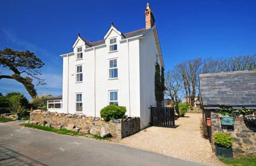 Lleyn Peninsula holiday house - ext