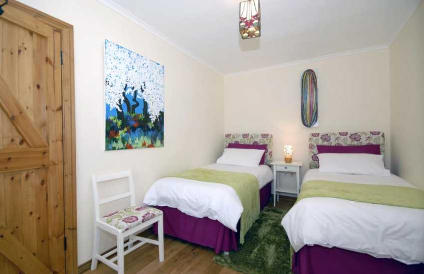 North Pembrokeshire coastal cottage for rent sleeps 6 - ground floor twin