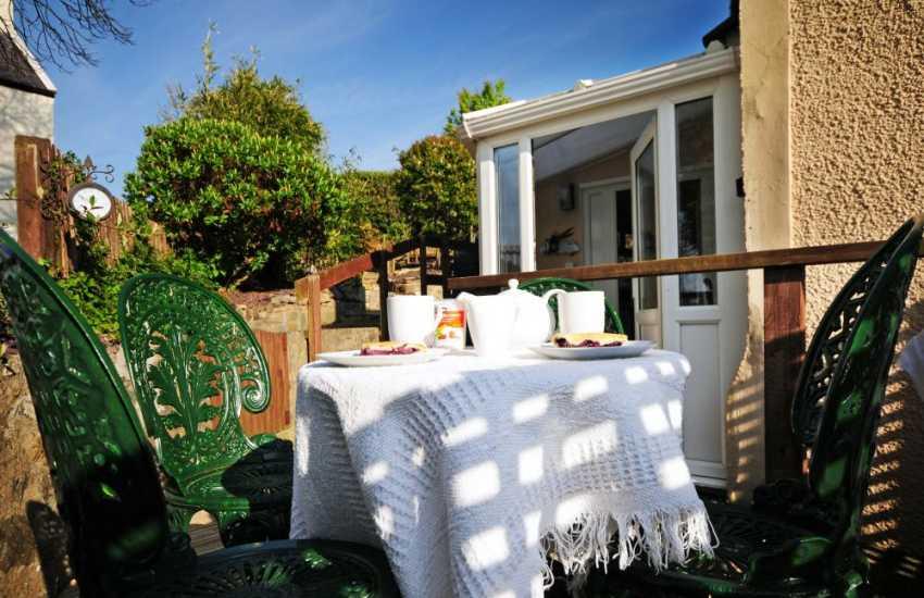 Nefyn cottage with garden and decking
