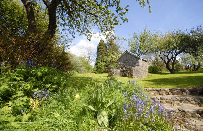Pembrokeshire holiday cottage with 2 acres of gardens and wild meadow