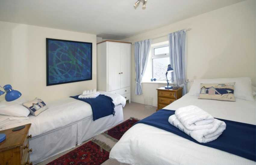 Cardigan coast holiday home sleeping 8 - twin