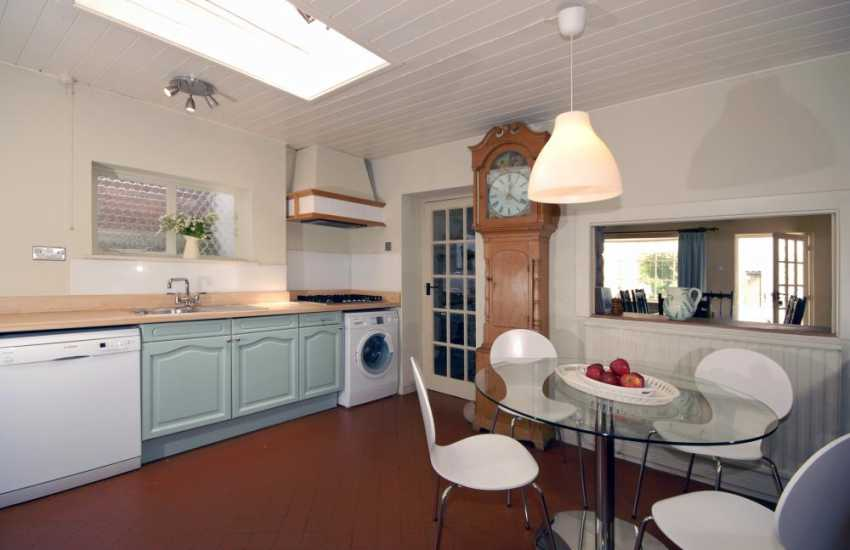 Self-catering Aberaeron - modern fitted kitchen area