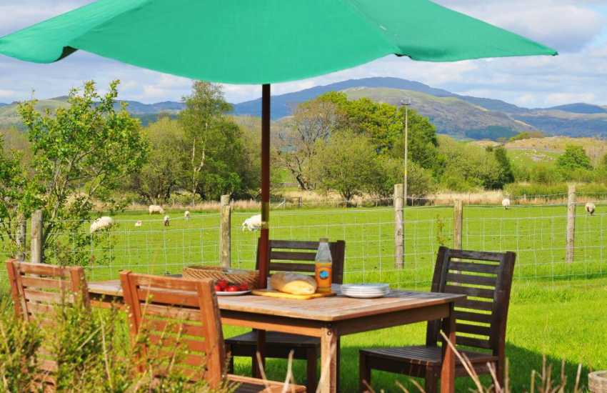 Snowdonia holiday cottage views - garden