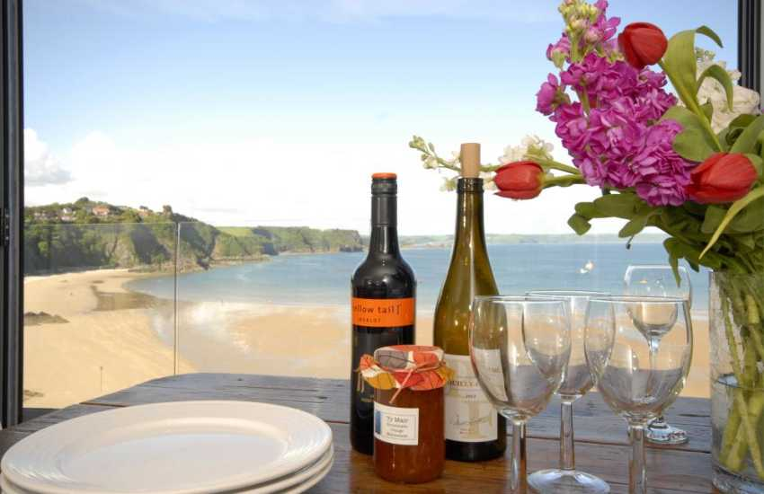 Relax and enjoy good company at 'Ty Mair' overlooking Tenby harbour