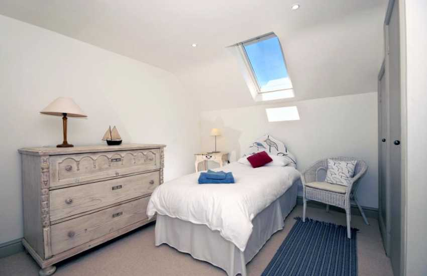 North Pembrokeshire holiday cottage sleeps 2 - single
