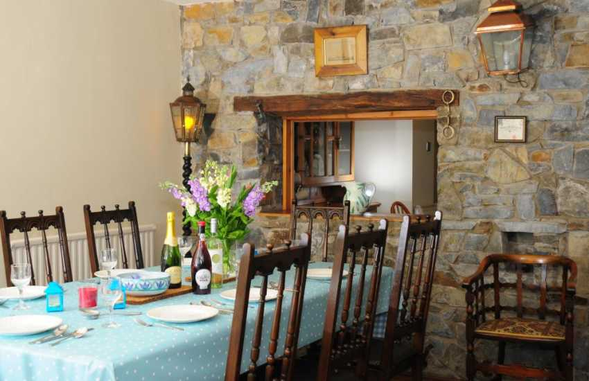 Aberaeron holiday home - dining area