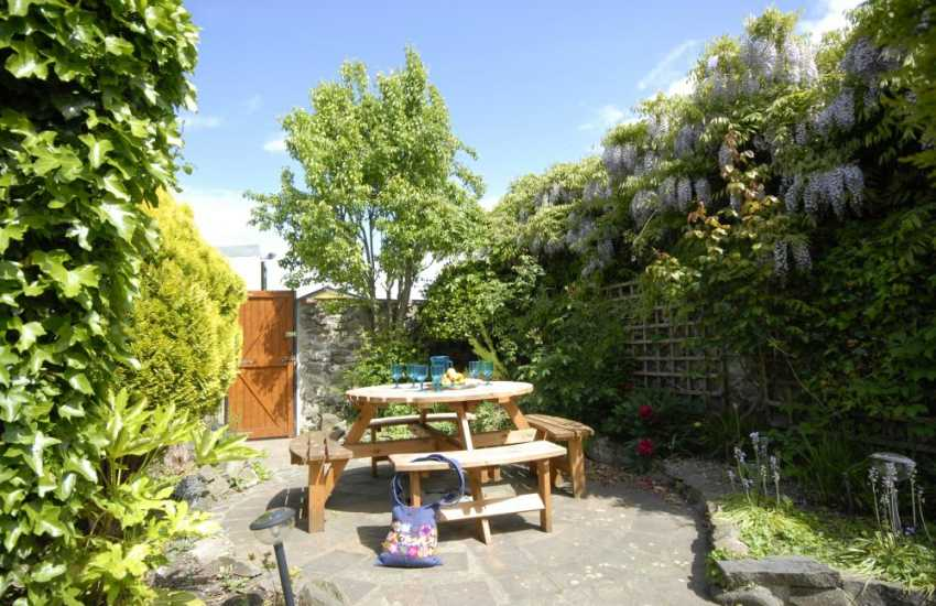 Enclosed sheltered rear courtyard garden