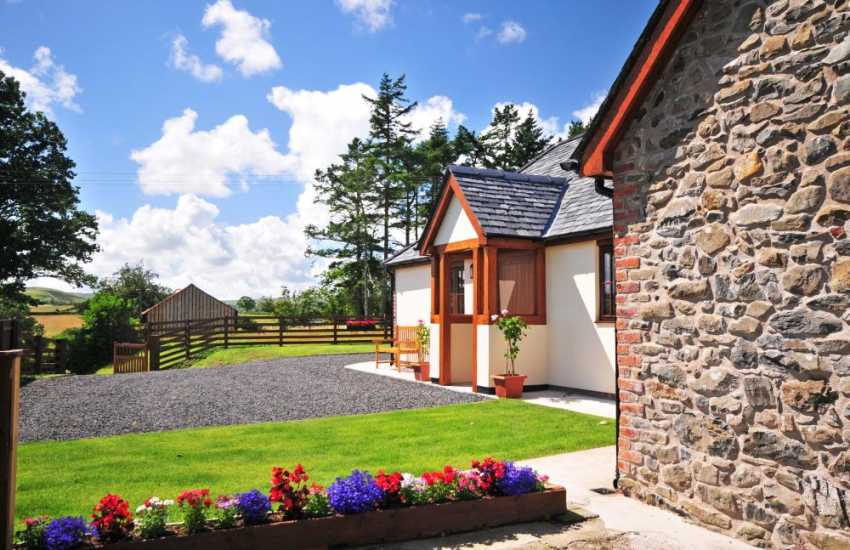 Mid Wales rural holiday cottage