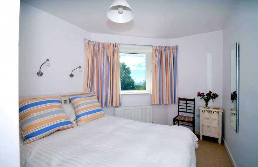Welsh coastal cottage - bedroom