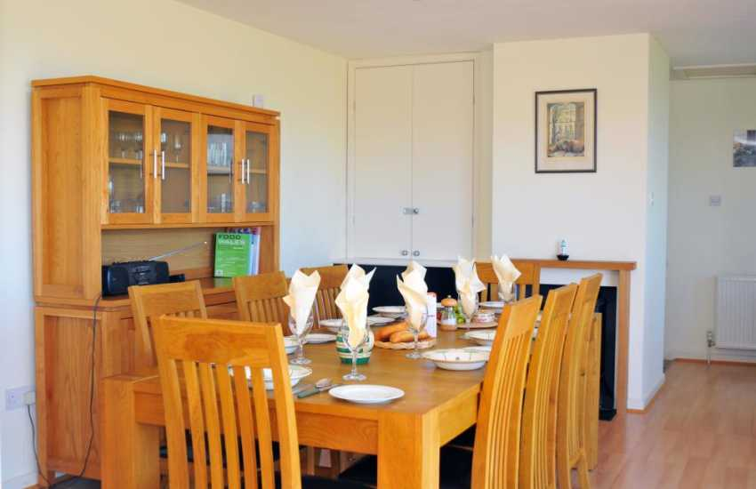 Beach cottage Wales - dining