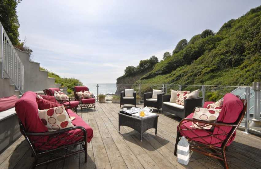 Tenby - holiday home with large deck overlooking the sea