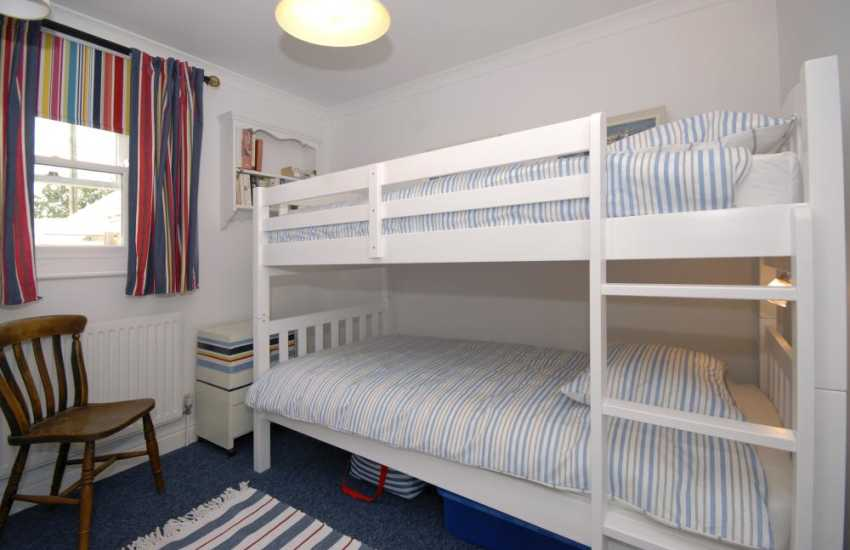 Mathry holiday cottage sleeps 6 - ground floor bunk room