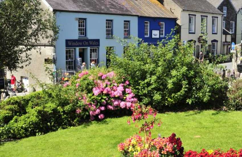 St Davids - explore art galleries, gift and coffee shops, the medieval Cathedral and ruined Bishops Palace