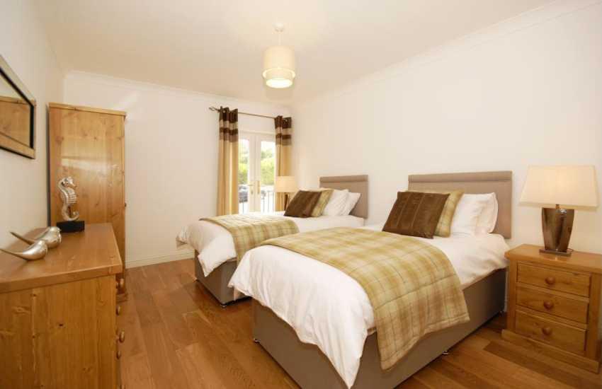 Pembrokeshire waterside holiday home sleeps 6 - twin with 'Juilet' balcony