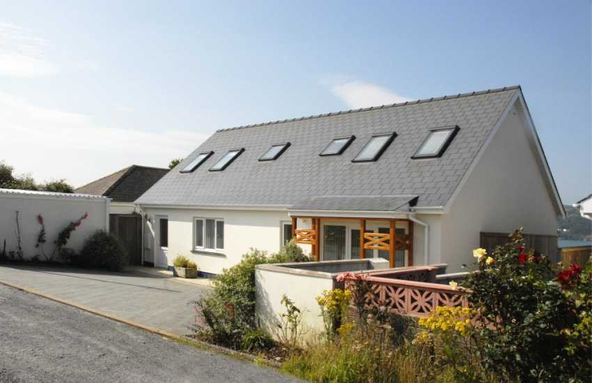 Gwbert holiday home on the Cardigan Bay Heritage Coast - pets welcome