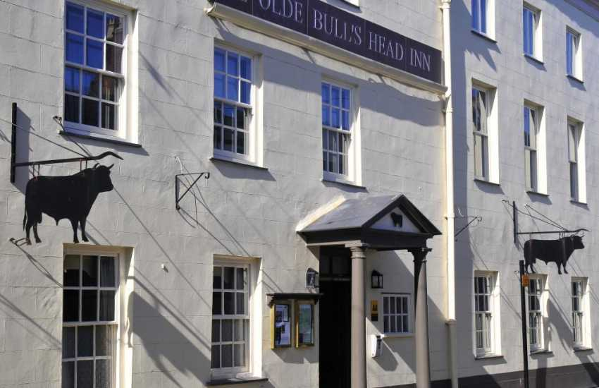 Ye Olde Bulls Head Inn in Beaumaris serves good food made from quality fresh local ingredients