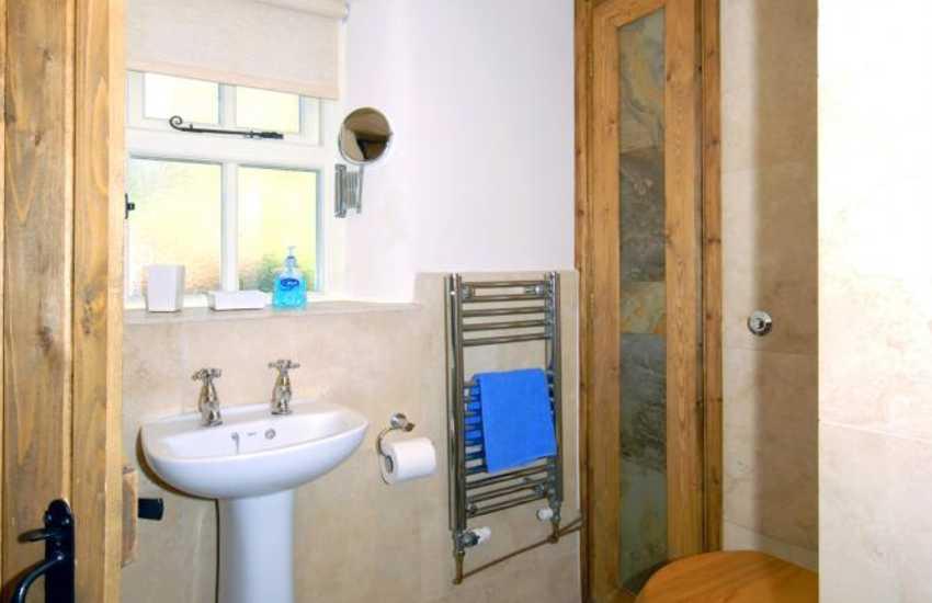 Gwaun Valley cottage - ground floor twin with en-suite   wet room