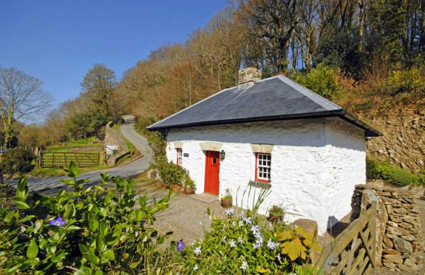 North Pembrokeshire cottage for holidays in the Gwaun Valley