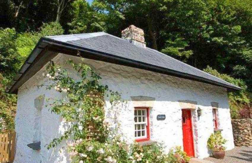 North Pembrokeshire holiday cottage on the banks of the   River Gwaun - pets welcome
