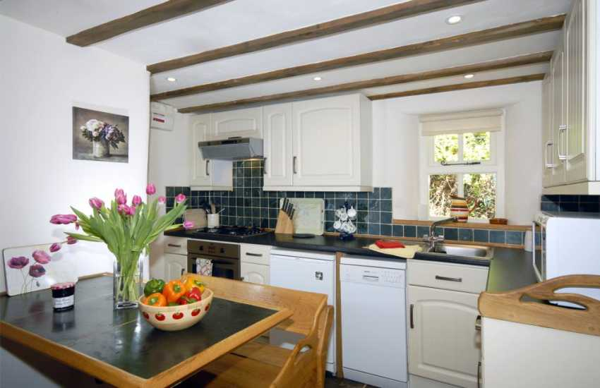 North Pembrokeshire self-catering holiday cottage -   kitchen/diner