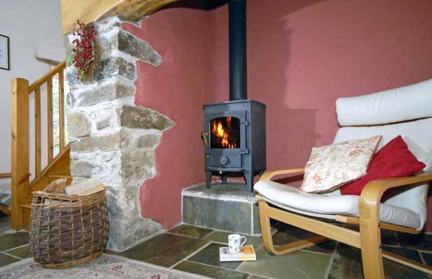 Quaint Pembrokeshire holiday cottage with log burning stove
