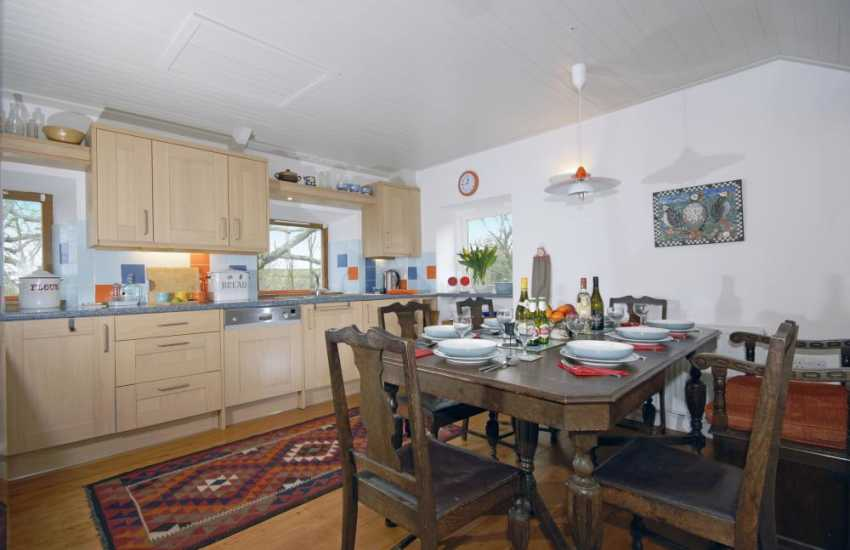 Self-catering holiday house on the Pembrokeshire coast - kitchen/diner
