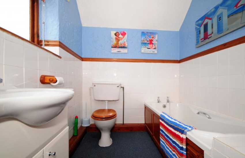Best of Wales holiday cottage Aberdaron - bathroom