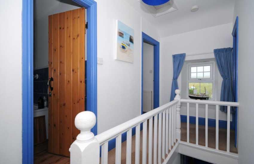 Self catering cottage Aberdaron - landing