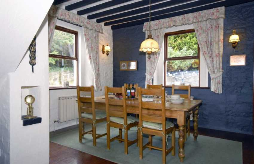 South Pembrokeshire holiday home on the Cleddau River - dining area