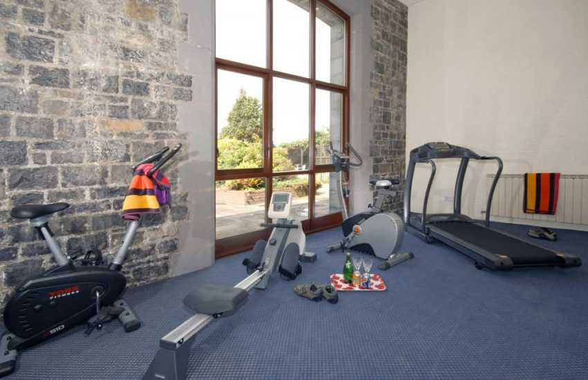 Pembrokeshire holiday complex with private gym fitness suite