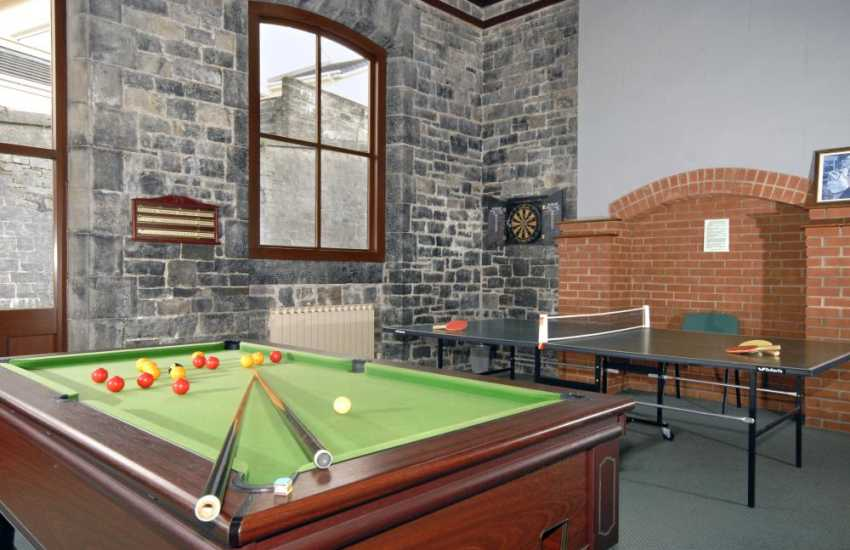 Pembrokeshire holiday home with games room - pool table, table tennis & darts