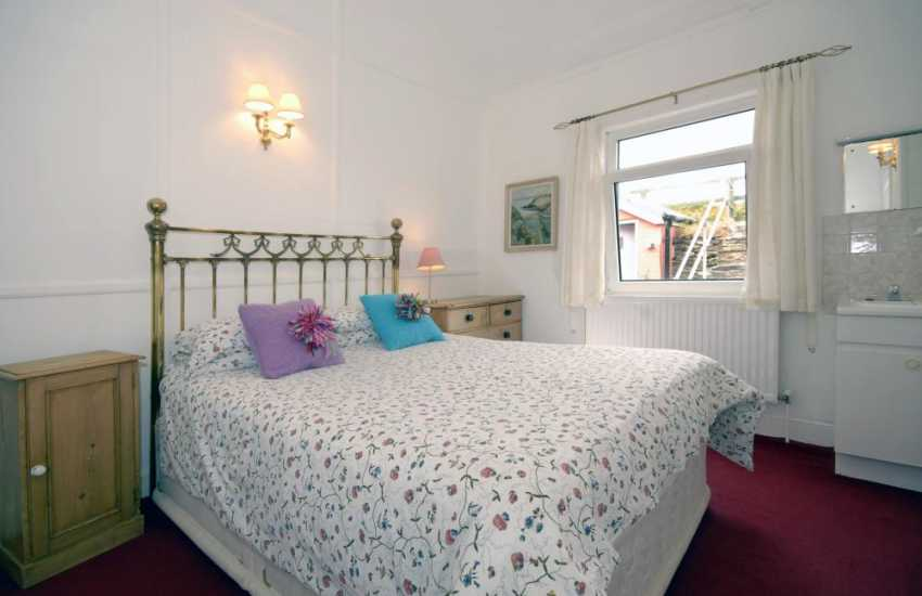 St Davids holiday bungalow for 16 people - double