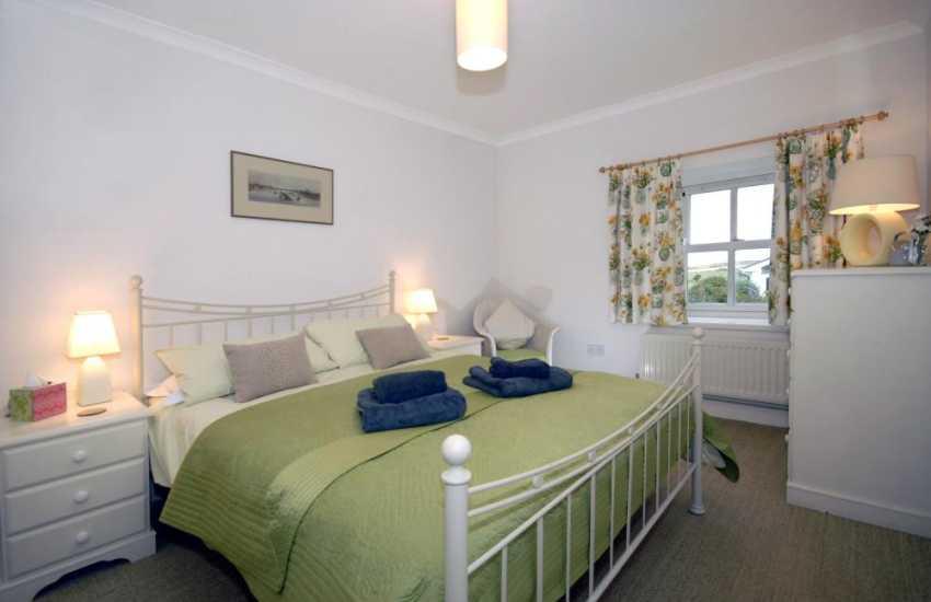 Pembrokeshire coastal cottage - king size double