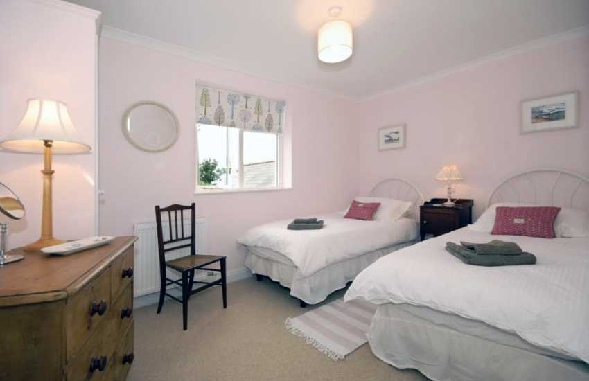 Holiday cottage in Pembrokeshire sleeps 6 - twin with coastal views