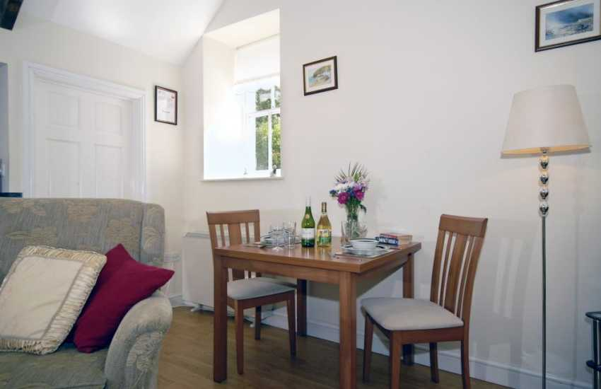 Pembrokeshire romantic retreat - dining area