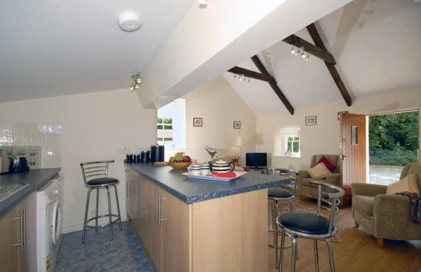 Self-catering cottage North Pembrokeshire coast - open plan kitchen/diner/lounge