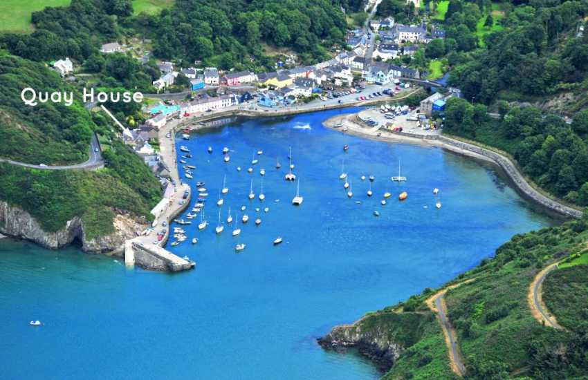 North Pembrokeshire luxury holiday home overlooking Fishguard Harbour