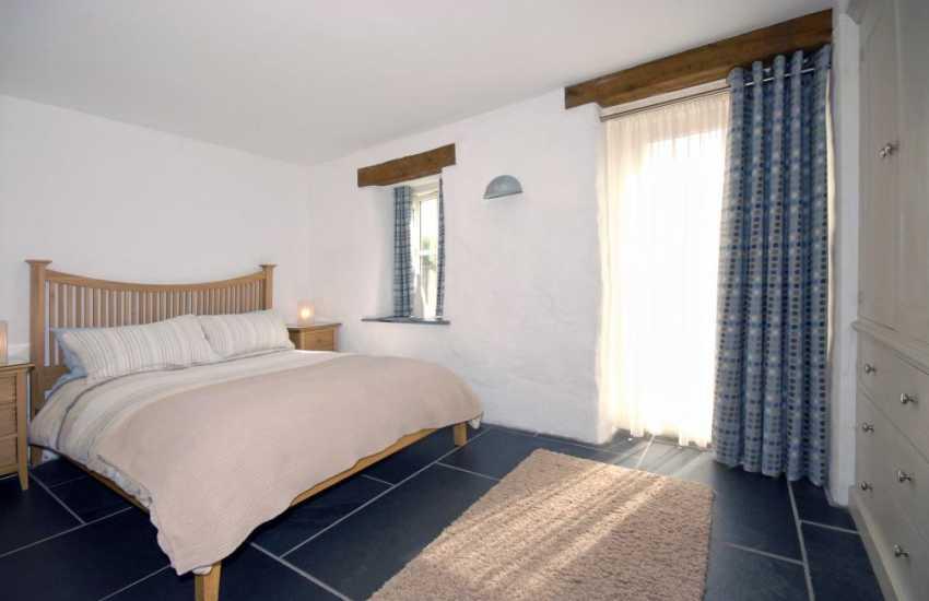 St Davids Pembrokeshire cottage for rent - ground floor double bedroom