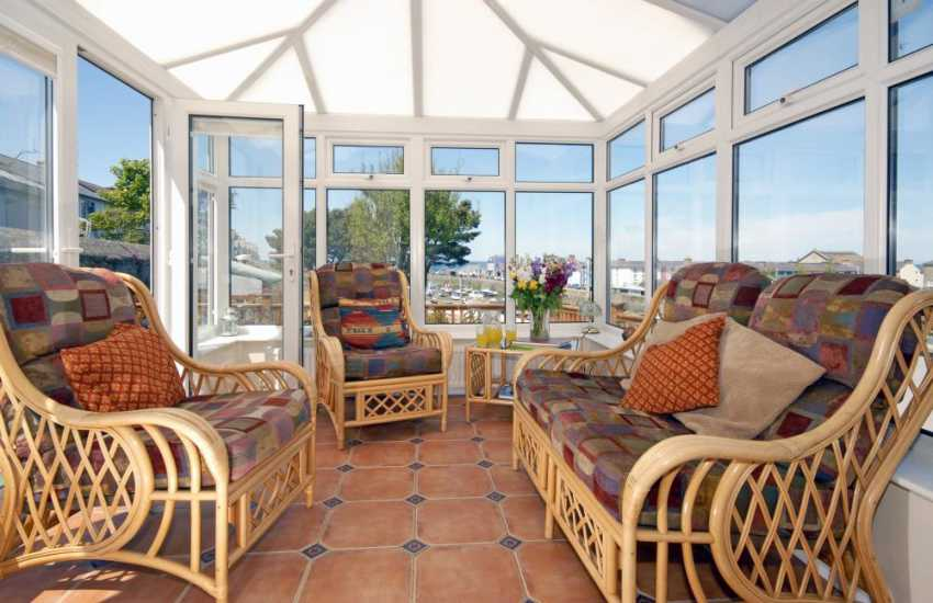 Aberaeron holiday home - conservatory with harbour views