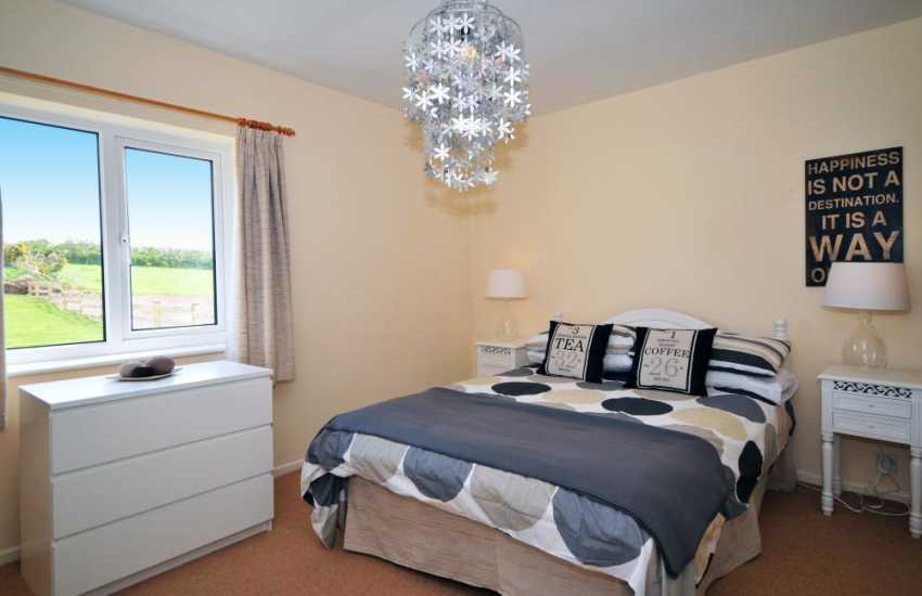 Morfa Nefyn holiday cottage - double bedroom