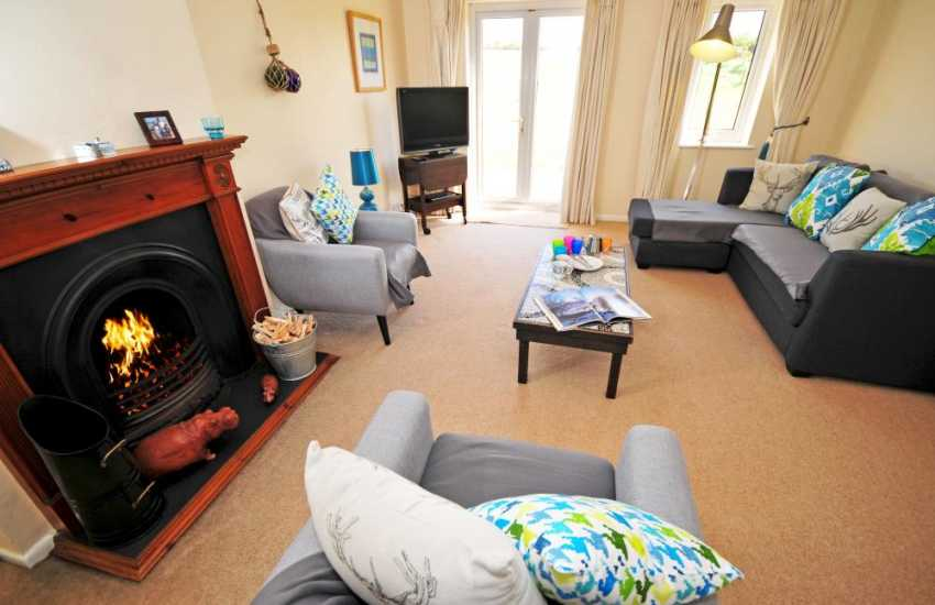 Morfa Nefyn holiday bungalow - lounge