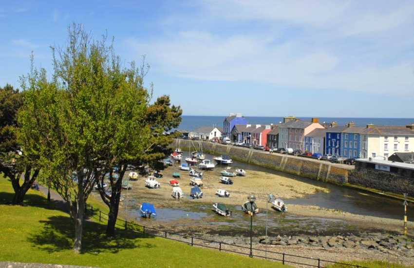 Enjoy fabulous views over Aberaeron's harbour from 'Bronallt'