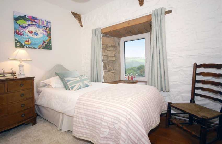 Ceibwr Cove family holiday cottage - single