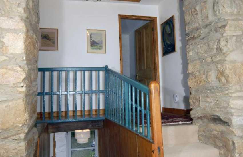 Moylegrove village cottage for rent - spacious landing