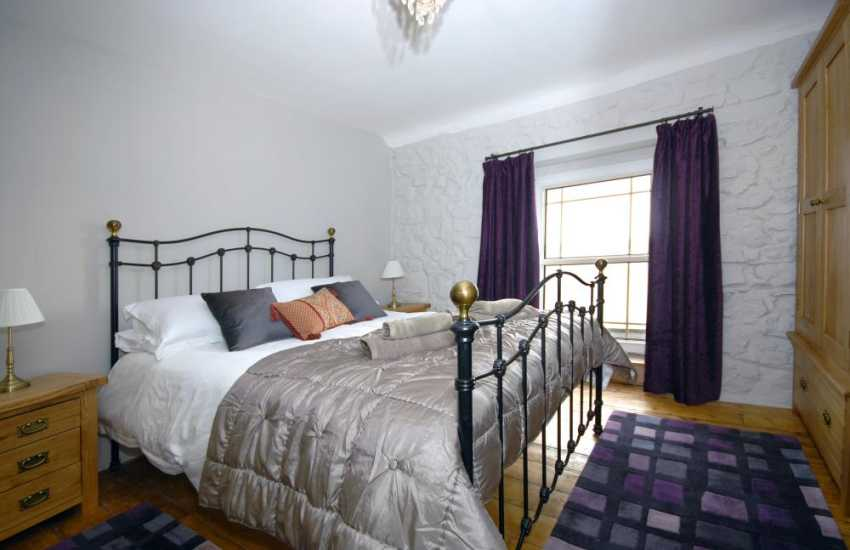Riverside holiday home -- King size double with river views shared shower