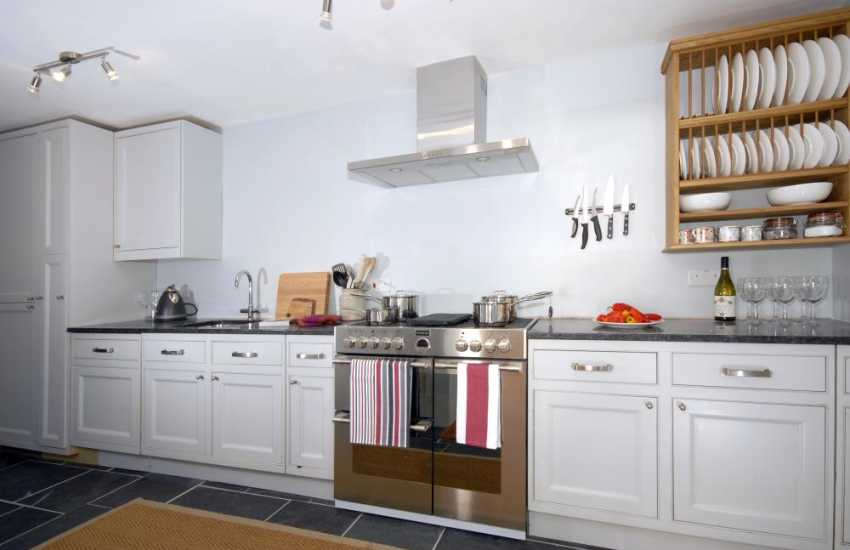 Pembrokeshire Coast Path holiday cottage - kitchen