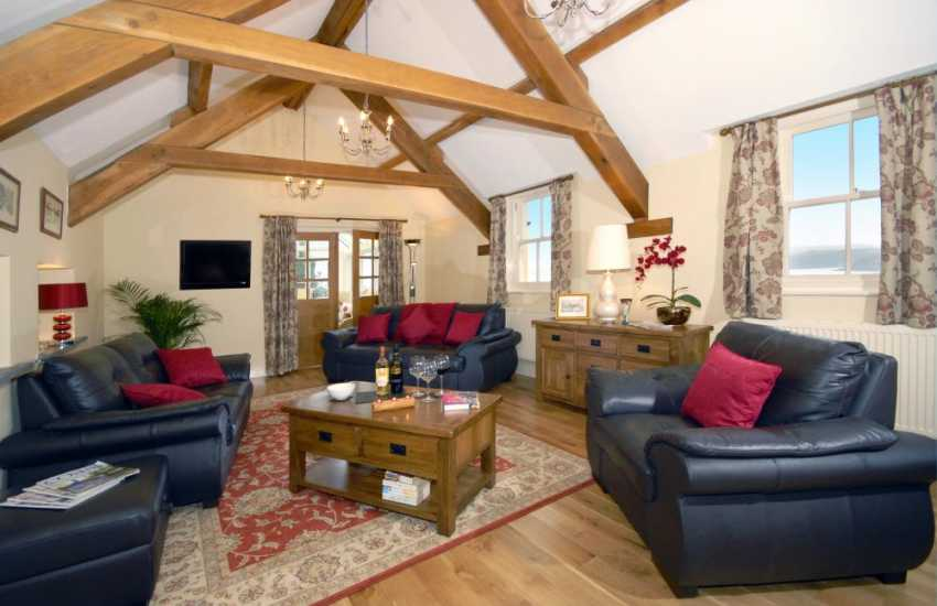North Pembrokeshire coastal holiday home - lounge with French doors to sun room