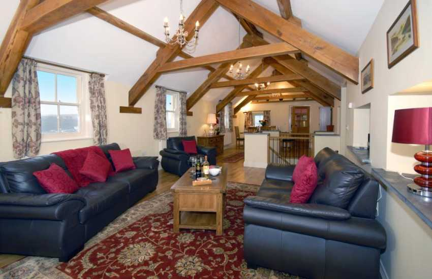 Strumble Head holiday home with oak beams and sea views - spacious living/dining area