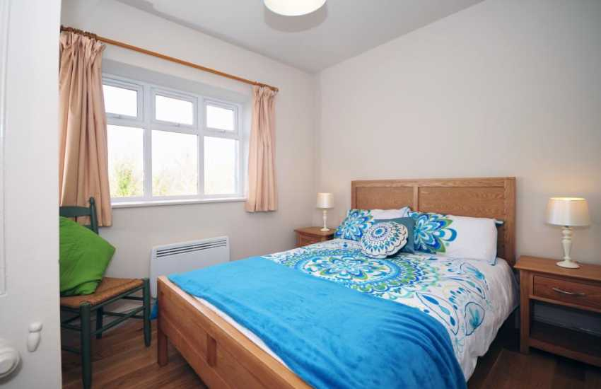 Welsh coastal cottage with sea views - double bedroom
