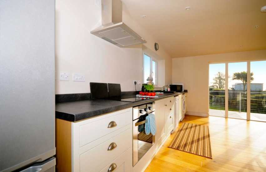 Luxury Welsh coastal cottage Pwllheli - kitchen